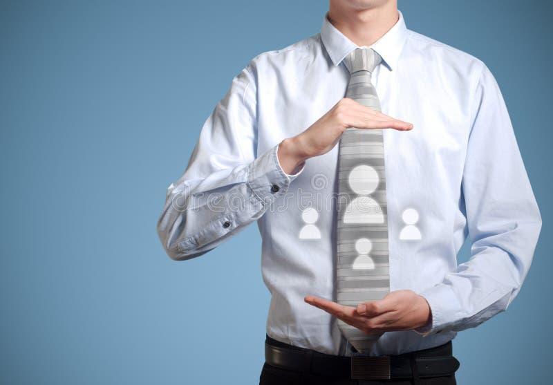 Sociala massmediasymboler för affärsman i händer arkivfoton