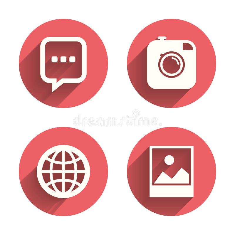 Sociala massmediasymboler Pratstundanförandebubbla och jordklot stock illustrationer