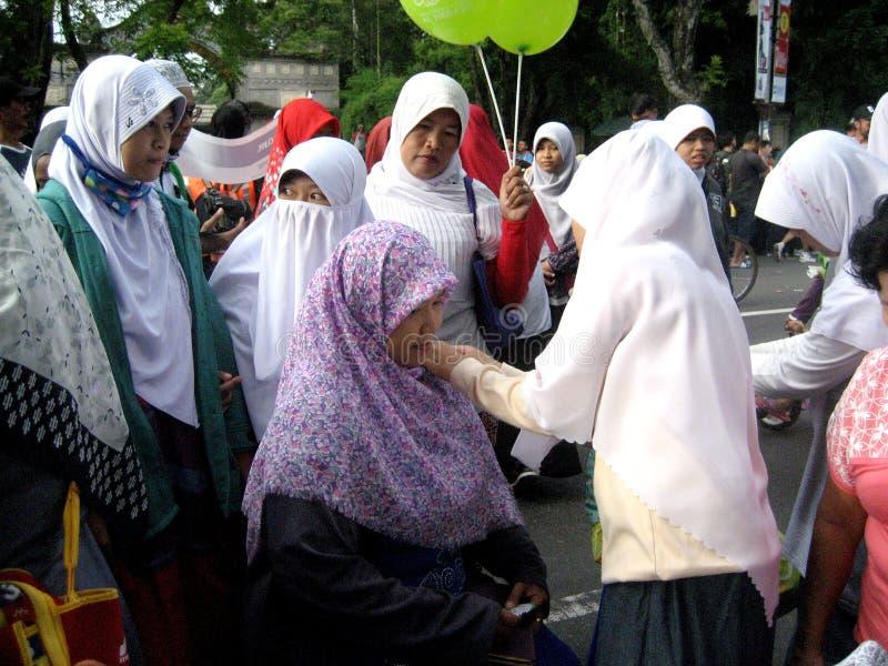 Socialice el hijab imágenes de archivo libres de regalías