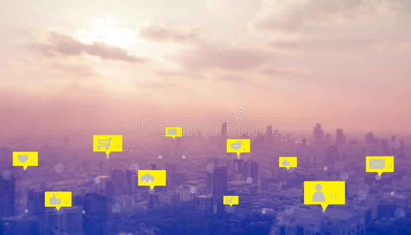 Socialt massmedia och digitalt nätverk royaltyfria bilder