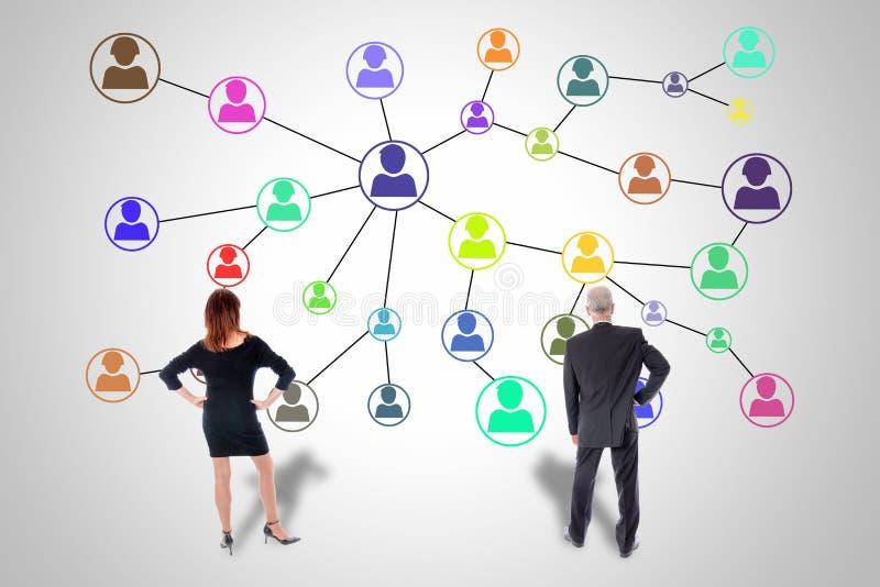 Socialt nätverksbegrepp som hålls ögonen på av affärsfolk royaltyfria foton