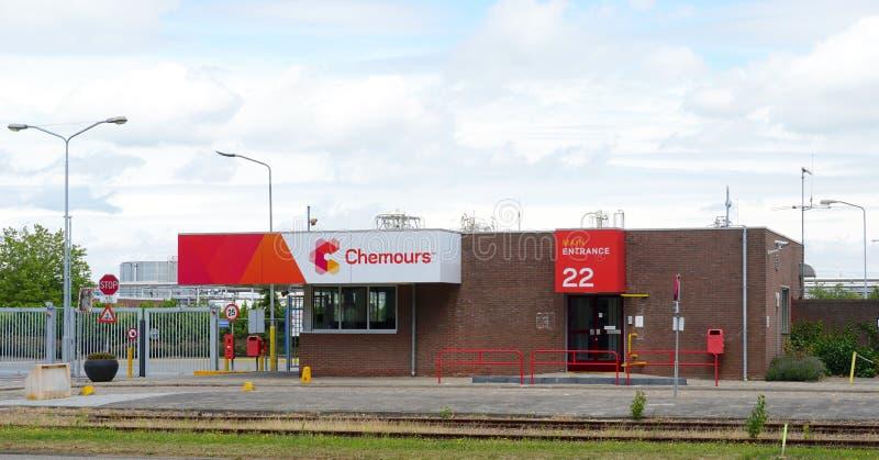 Società chimica di Chemours Du Pont in Dordrecht, Paesi Bassi fotografie stock libere da diritti