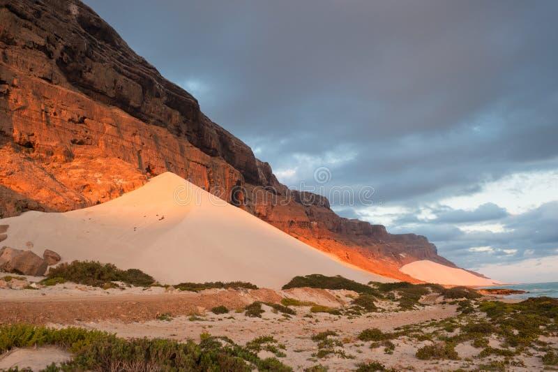 socotra yemen för sand för bågskyttdynö royaltyfri fotografi