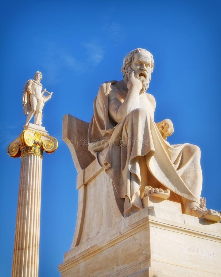 Socrates il filosofo e l'Apollo il dio di musica e di poesia fotografia stock libera da diritti