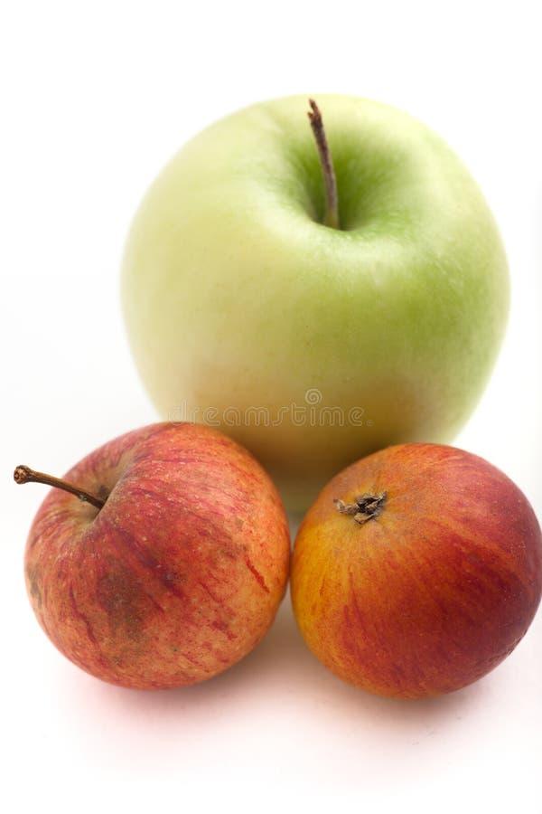 Soczyści świezi czerwoni i zieleni jabłka fotografia royalty free