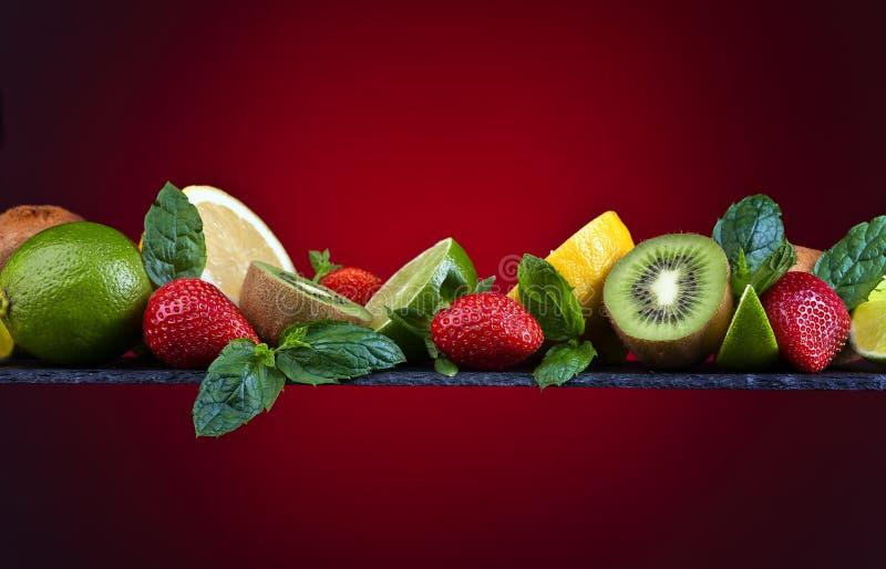Soczyste owoc i miętówka fotografia stock