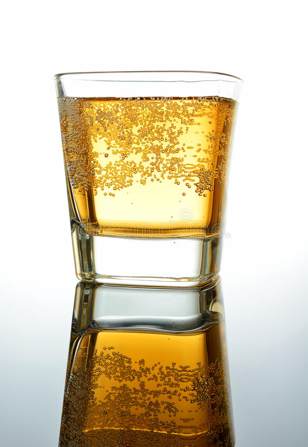 Sodagetränk im Glas lizenzfreie stockbilder