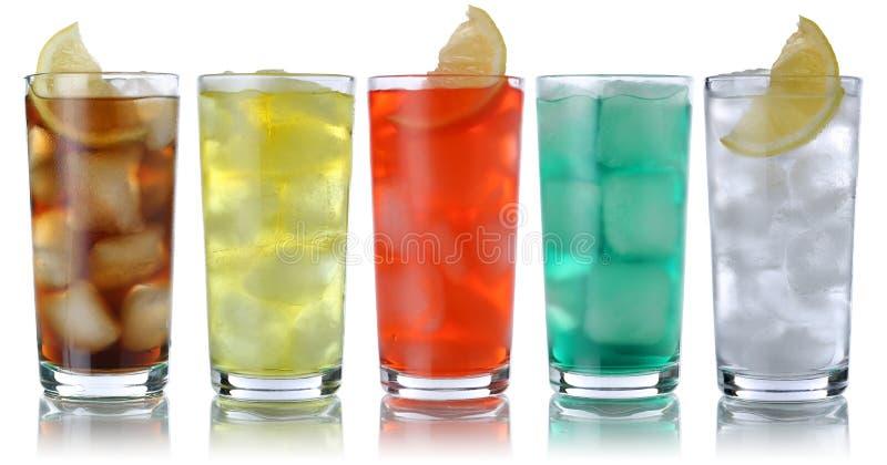 Sodavattendrinkar med cola och lemonad royaltyfria bilder