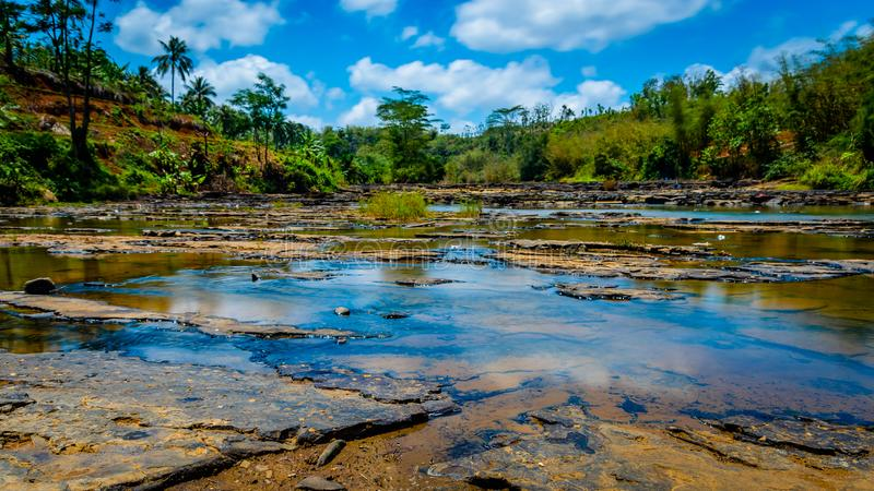 Sodong-Wald in seinem vollen Ruhm bei Sukabumi, Indonesien lizenzfreies stockbild