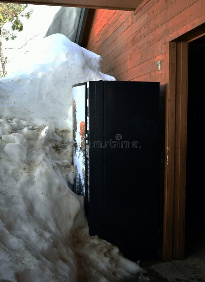 Sodowany maszyna blok śniegiem zdjęcie stock