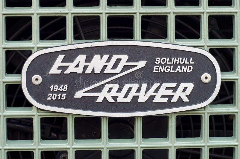 Soest, Alemania - 10 de enero de 2018: Tierra Rover Grille Emblem Badge imágenes de archivo libres de regalías