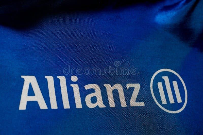 Soest Niemcy, Styczeń, - 3, 2018: W górę flagi Allianz Allianz SE jest Europejskim usluga finansowa firmą lokującym wewnątrz obraz stock