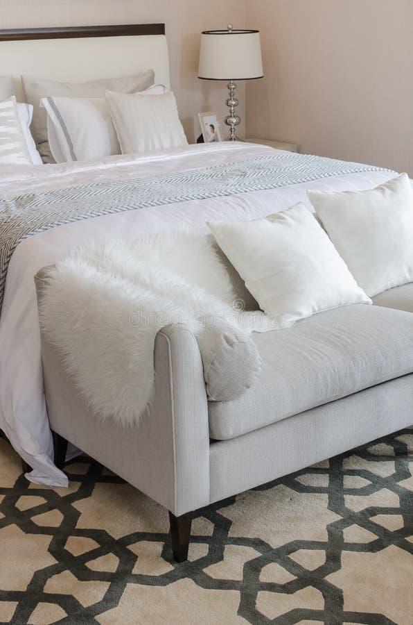 Tappeto camera da letto trendy tappeto camera da letto with tappeto camera da letto fabulous - Tappeti scendiletto ikea ...