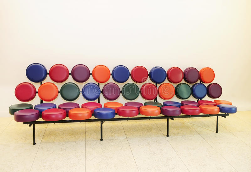 Sofá bonito e moderno foto de stock