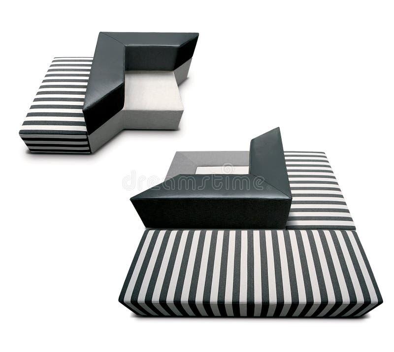 Sofá moderno atractivo imagenes de archivo