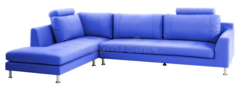 Sofá moderno azul aislado imagen de archivo