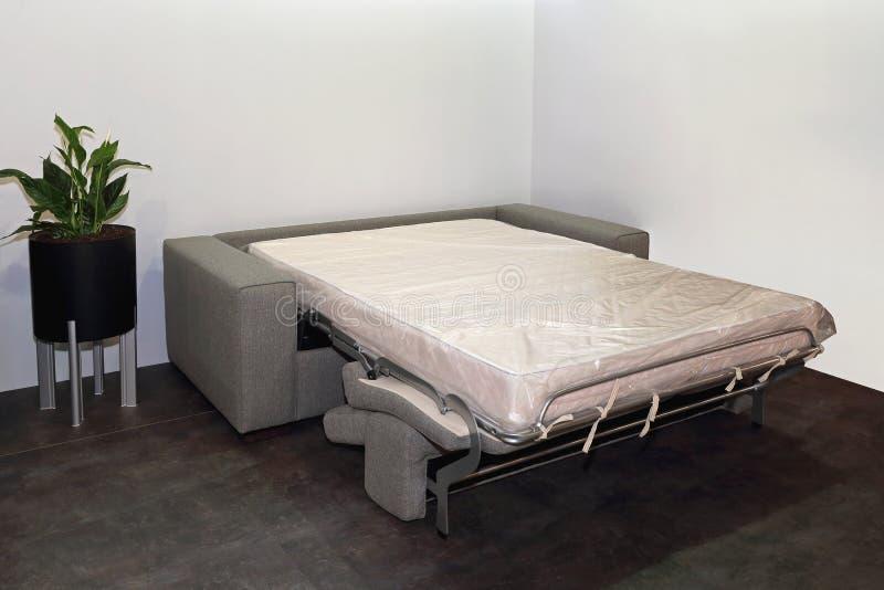 Sofa Bed aperto fotografie stock
