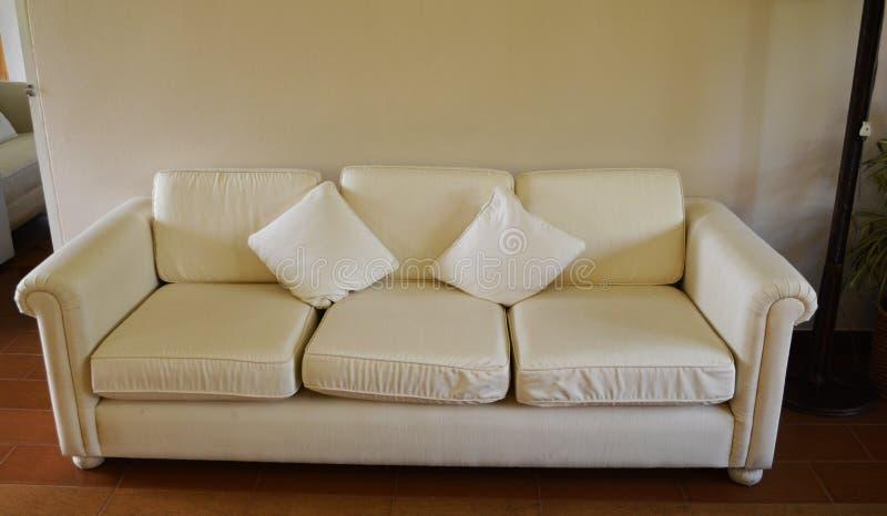 Sofa blanc photos libres de droits