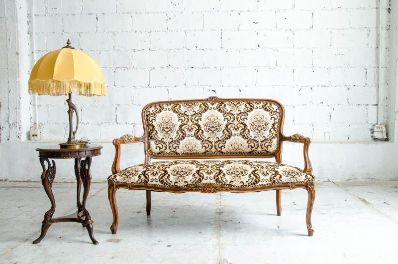 Sofa classique luxueux de vintage photo libre de droits