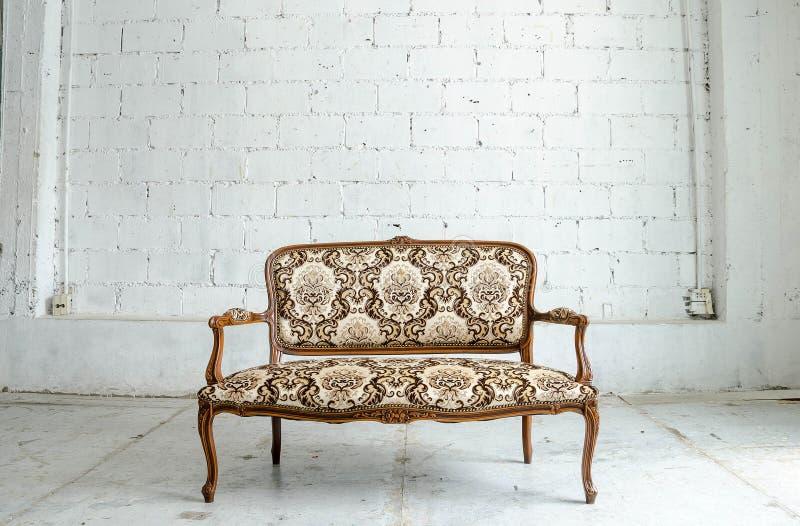 Sofa classique luxueux de vintage images libres de droits