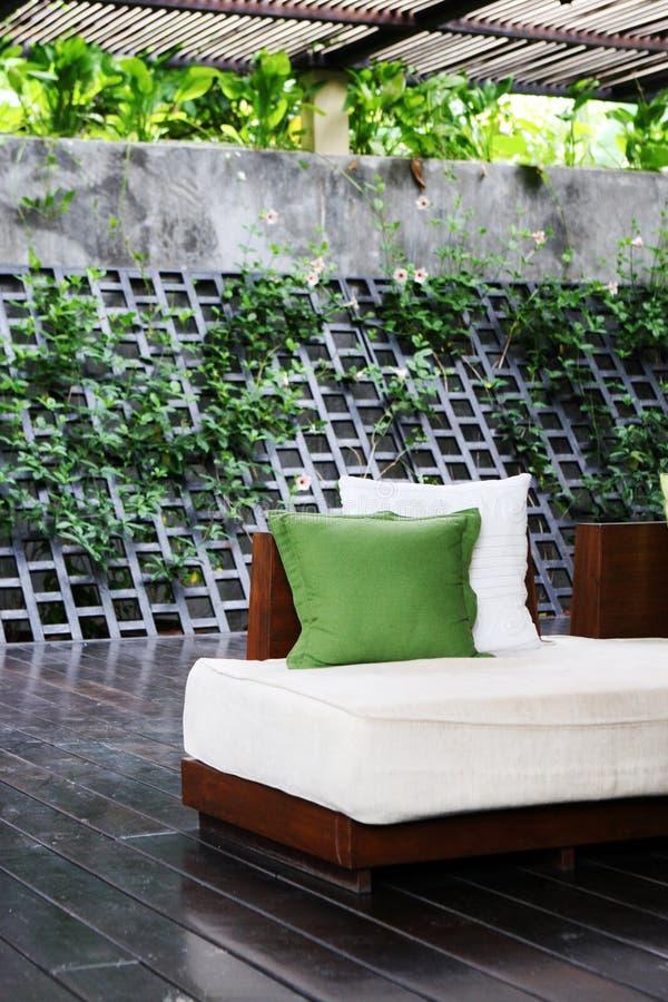 Sofa en bois photo libre de droits