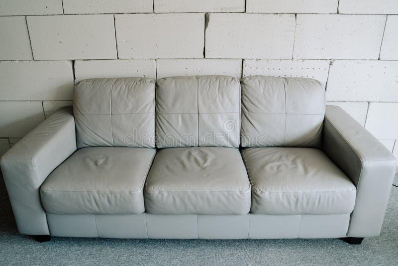 Sofa Fashion Leather Gray Living Room Element stock foto