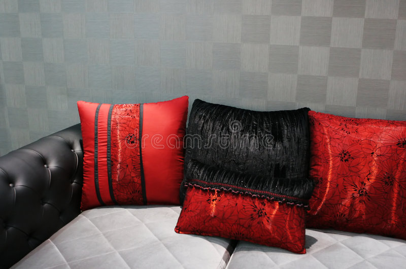 Sofa moderne noir et rouge photos libres de droits