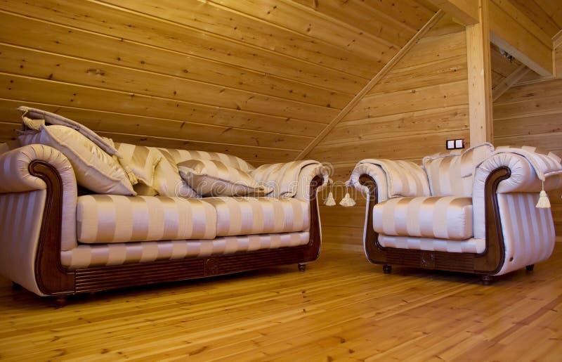 Sofa und Lehnsessel stockfotos