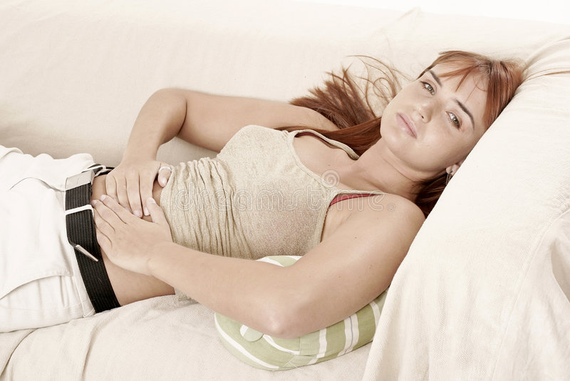 sofakvinna arkivfoto