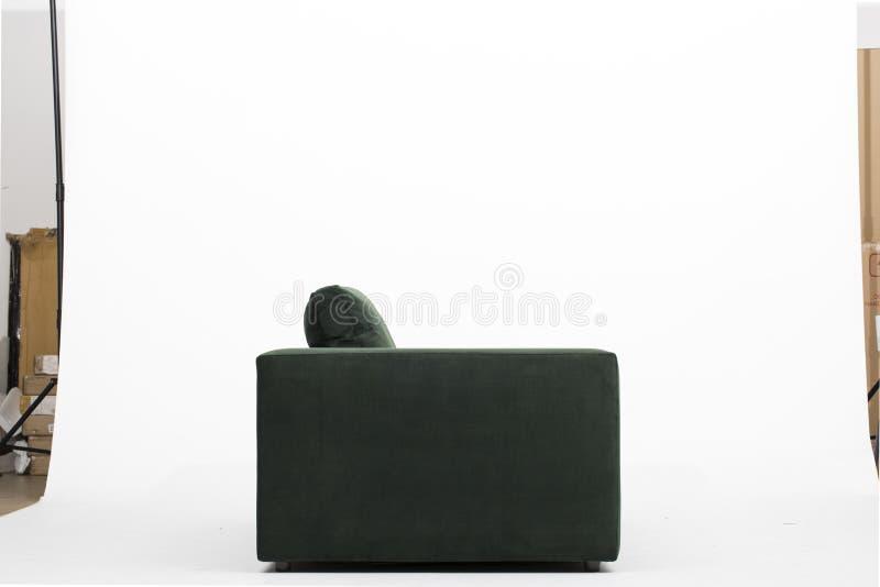 SOFFA f?r BALSAMGR?SPLANSAMMET, t?jbar ren f?rg Sofa Cushion Cover Dark Green f?r Warmingecom Slipcover med vit bakgrund som ?r g royaltyfria bilder