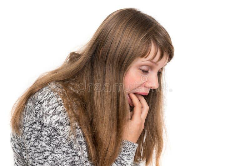 Sofferenza della donna dalla nausea - concetto di vomito fotografie stock libere da diritti