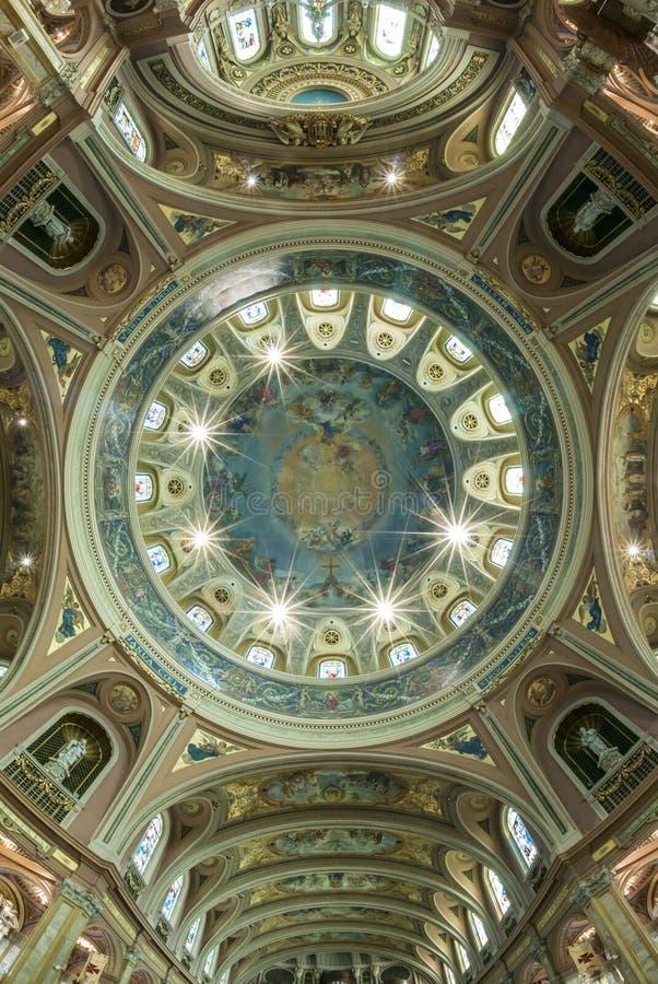 Soffitto, chiesa cattolica della cupola fotografia stock