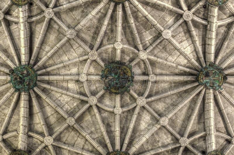 Soffitto costolato della chiesa del monastero di Jeronimos di Santa Maria a Lisbona fotografia stock