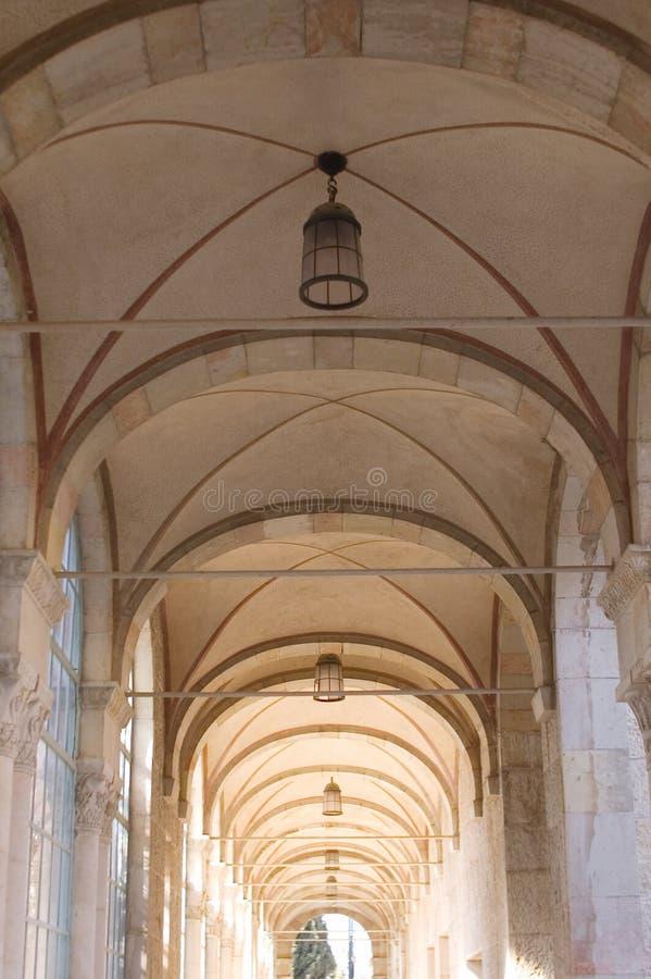Soffitto del corridoio dell'arco fotografie stock