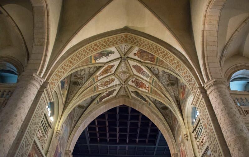 Soffitto della chiesa a Lussemburgo preso durante la festa a Lussemburgo fotografie stock libere da diritti