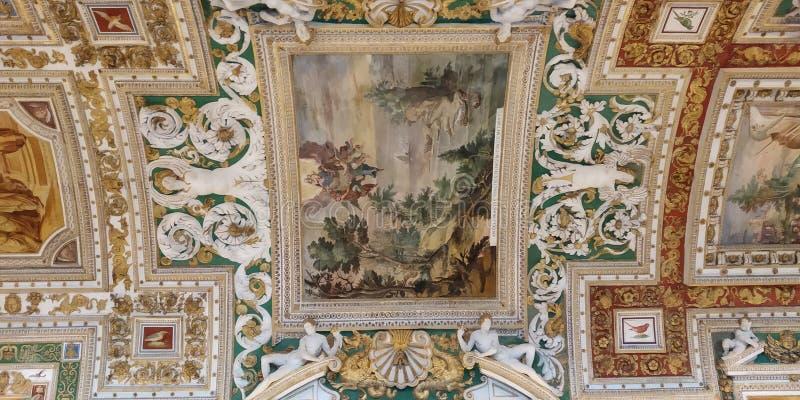 Soffitto di corridoio del museo del Vaticano fotografia stock