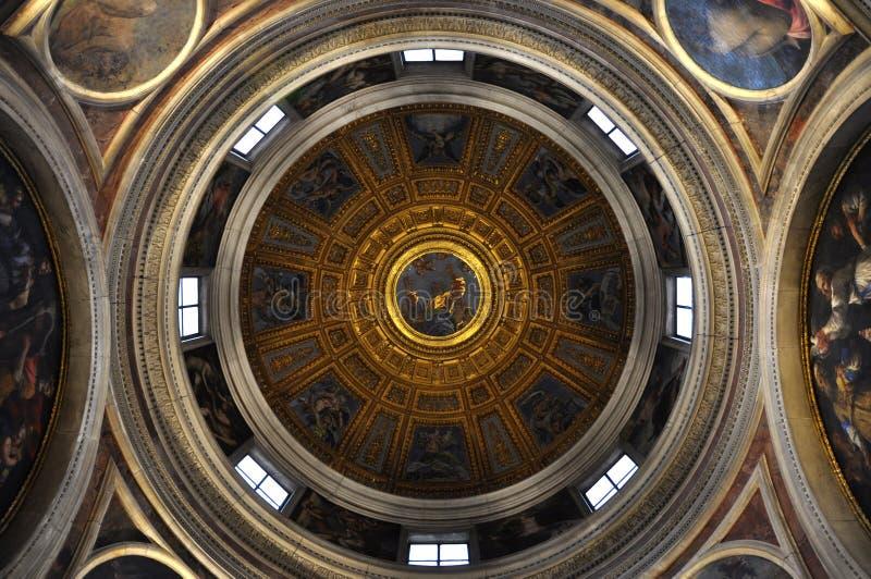 Soffitto dipinto della cupola della basilica di Santa Maria del Popolo fotografia stock