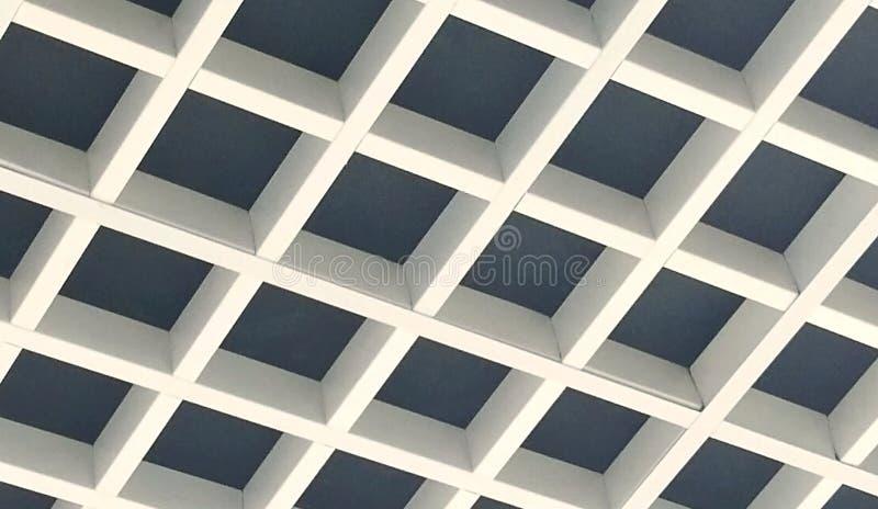 Soffitto interno progettato molto piacevole con legno fotografie stock libere da diritti