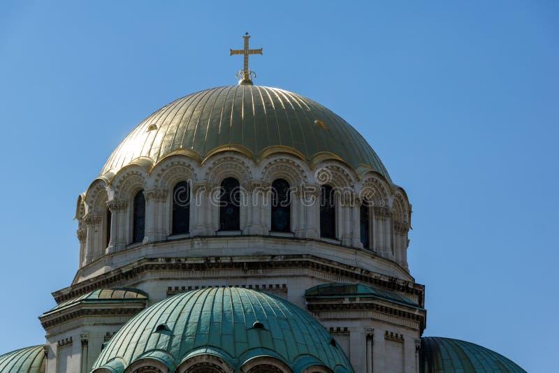 SOFIA, ΒΟΥΛΓΑΡΙΑ - 1 ΑΠΡΙΛΊΟΥ 2017: Οι χρυσοί θόλοι του καθεδρικού ναού Άγιος Αλέξανδρος Nevski στη Sofia στοκ φωτογραφία με δικαίωμα ελεύθερης χρήσης
