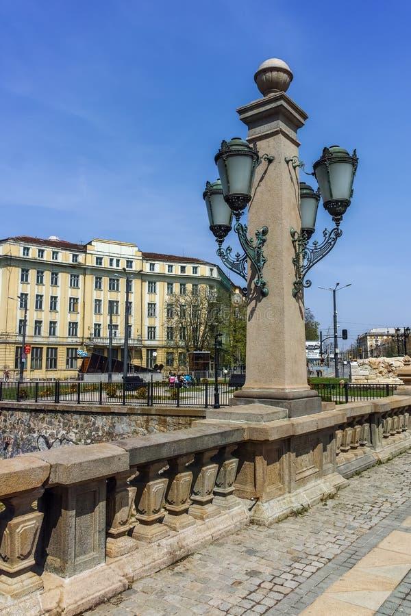 SOFIA, BULGARIJE - APRIL 13, 2018: Architecturaal detail van Leeuw` s Brug over Vladaya-rivier, Sofia royalty-vrije stock afbeeldingen