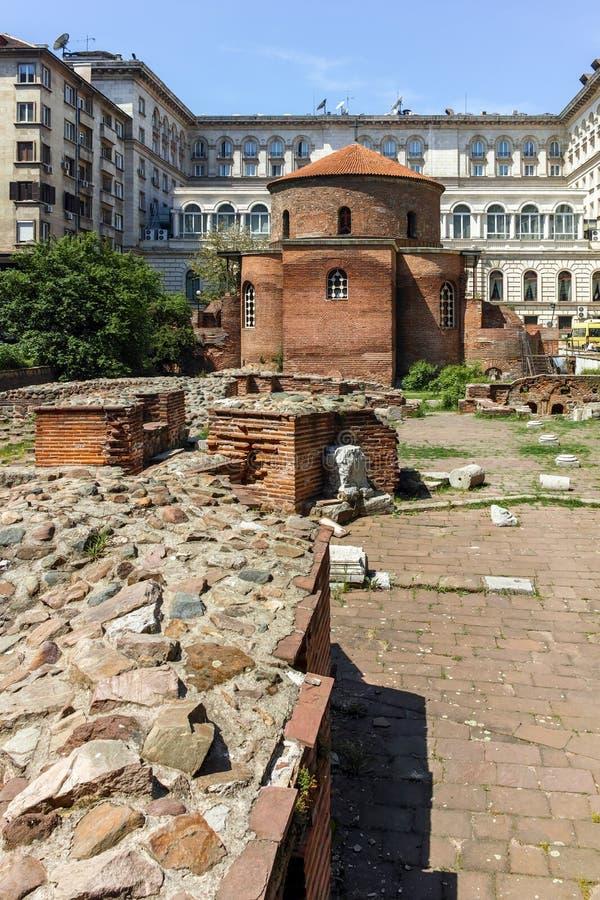 SOFIA, BULGARIJE - APRIL 24, 2018: Verbazende mening van Kerk St George Rotunda binnen in Sofia stock afbeeldingen