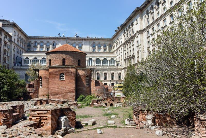 SOFIA, BULGARIJE - APRIL 24, 2018: Verbazende mening van Kerk St George Rotunda binnen in Sofia royalty-vrije stock afbeeldingen
