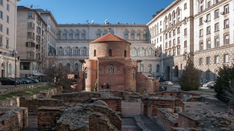SOFIA, BULGARIJE - DECEMBER 20, 2016: Verbazende mening van Kerk St George Rotunda binnen in Sofia royalty-vrije stock fotografie
