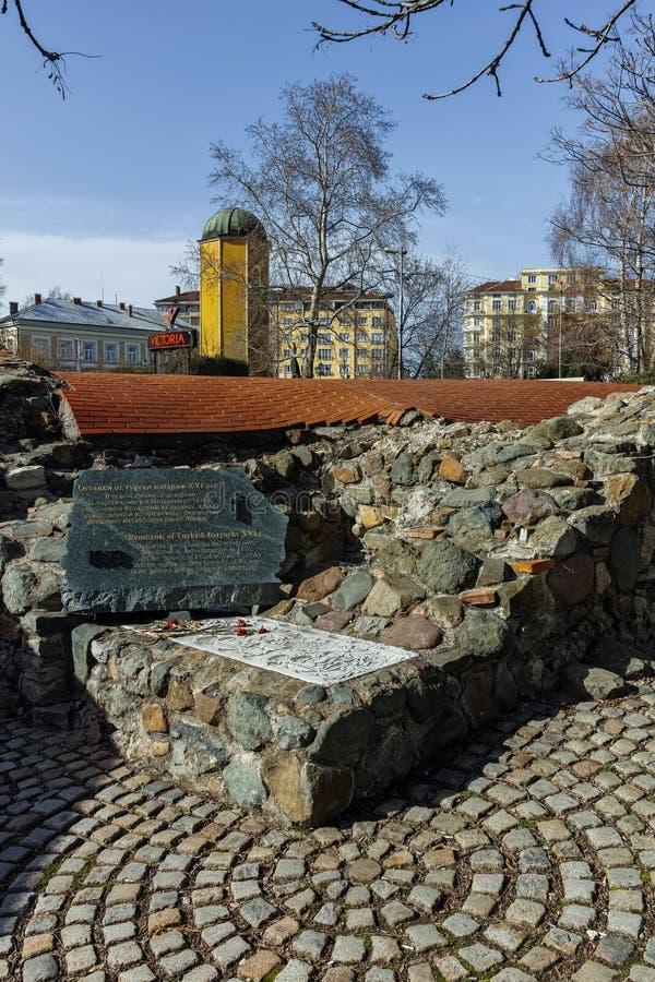 SOFIA, BULGARIJE - MAART 17, 2018: Resten van de zestiende eeuw Turkse barakken in Sofia stock foto's