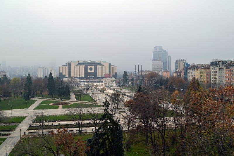 Sofia/Bulgarije - November 2017: Balkonmening van het Nationale paleis van cultuur NDK, de grootste, multifunctionele conferentie stock foto's