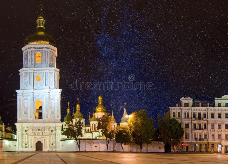 Sofia fyrkant på natten royaltyfria bilder