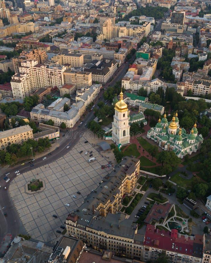 Sofievskaya fyrkant och St Sophia Cathedral i Kiev, Ukraina arkivfoton