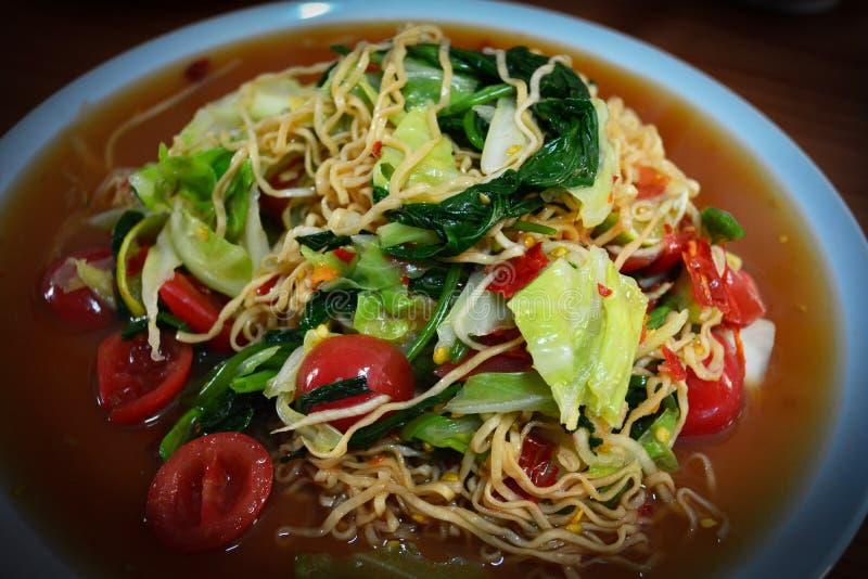 Sofortige Nudeln Salat stockfoto
