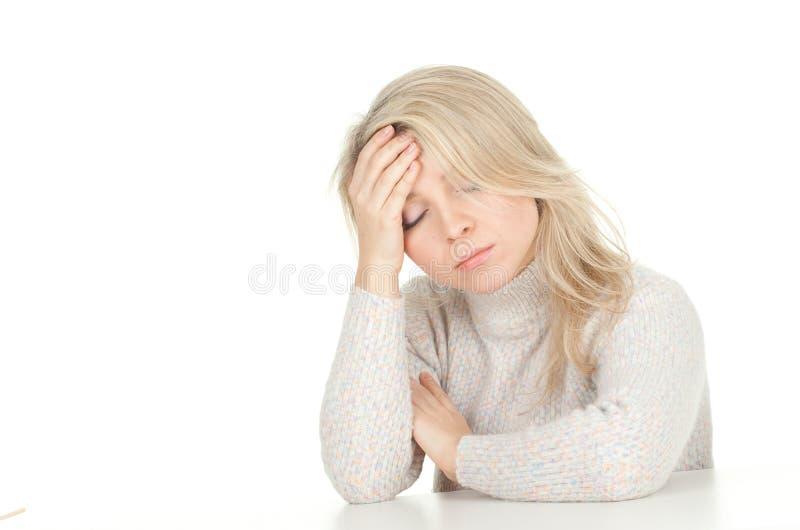 Sofrendo da dor, dor de cabeça foto de stock