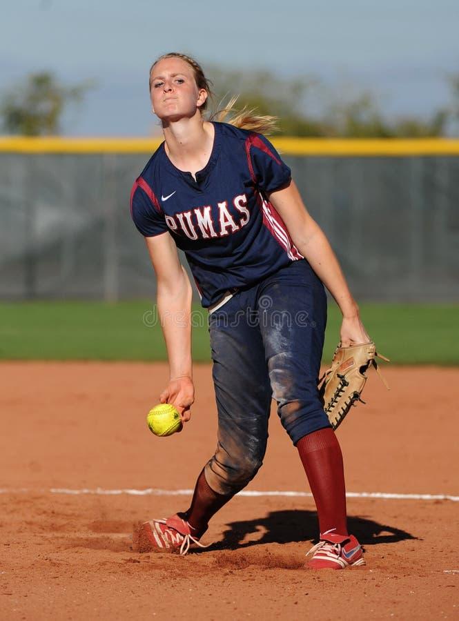 Softball da High School das meninas imagens de stock